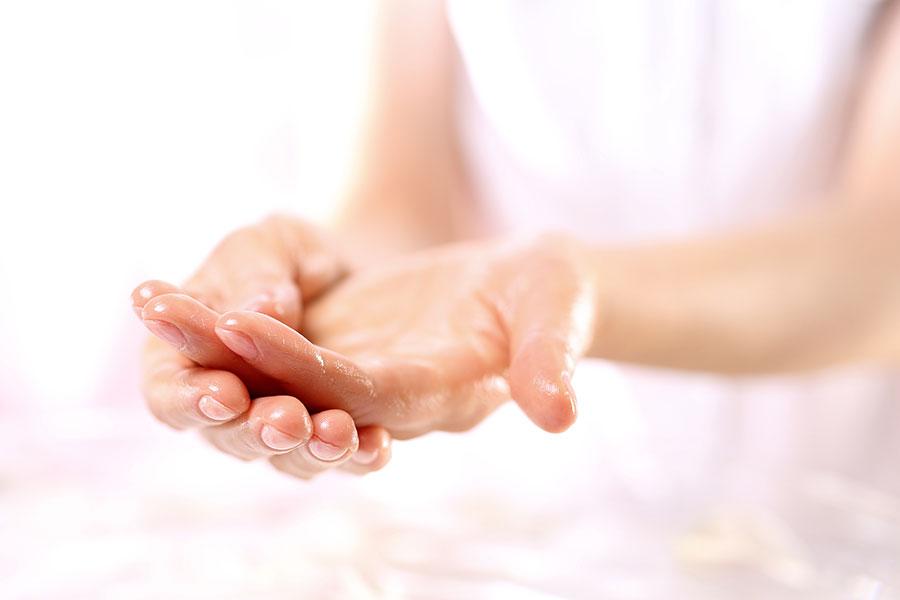 Peeling chemiczny skóry dłoni