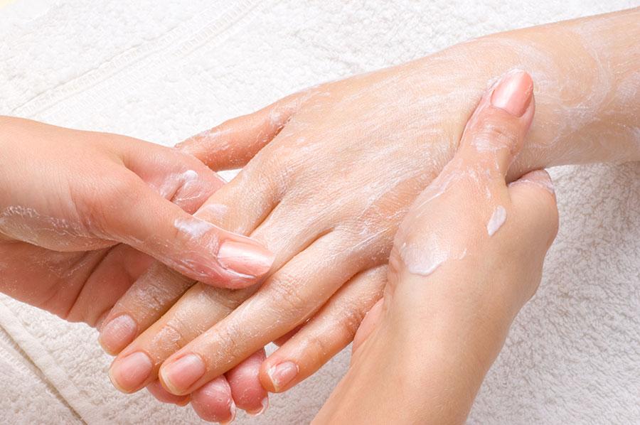 Relaksujący i regenerujący masaż dłoni